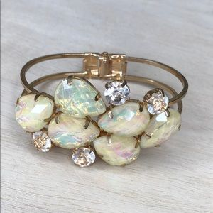 Jewelry - Beautiful white and gold clasp bracelet prom